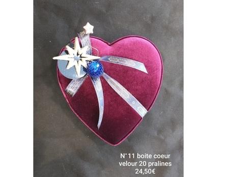 Boite cœur velours N°11 20 prâlines EPUISEE